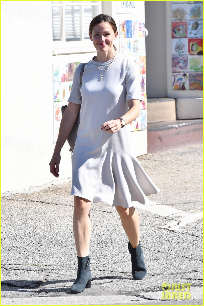 jennifer garner is all smiles at sunday church service 023983662
