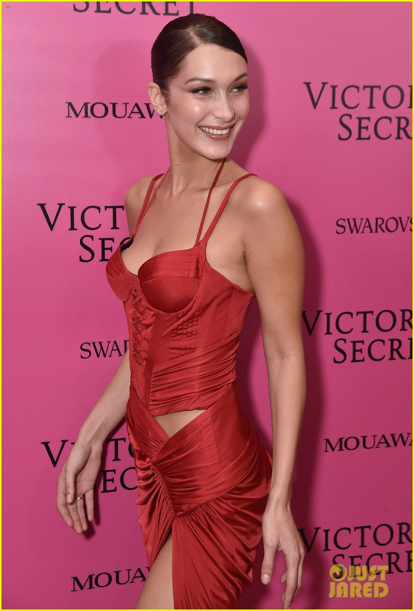 Bella Hadid Stays Smiley in Sexy Red Dress at Victoria\'s Secret ...
