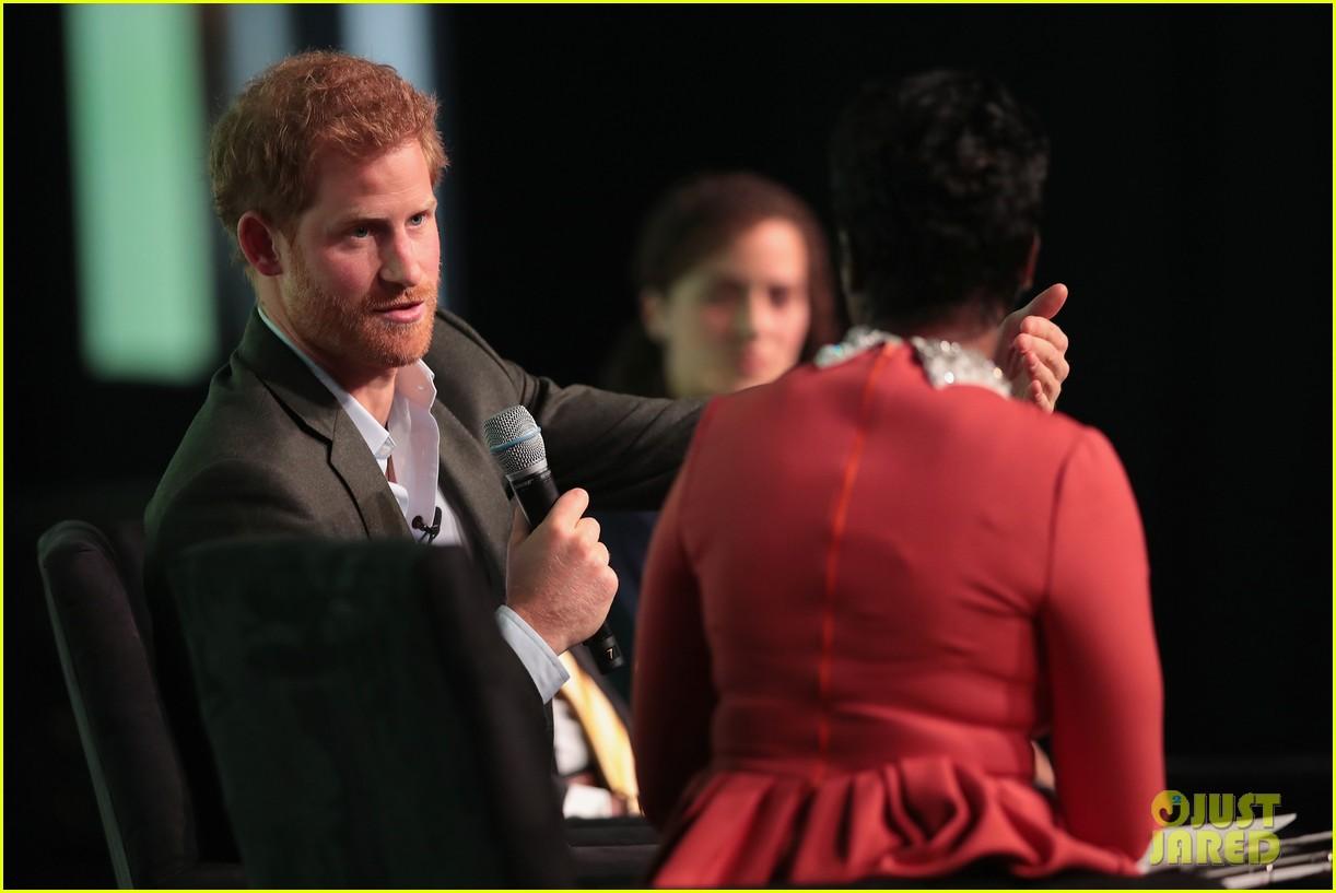 prince harry calls his mom princess diana his ideal role model 013980624