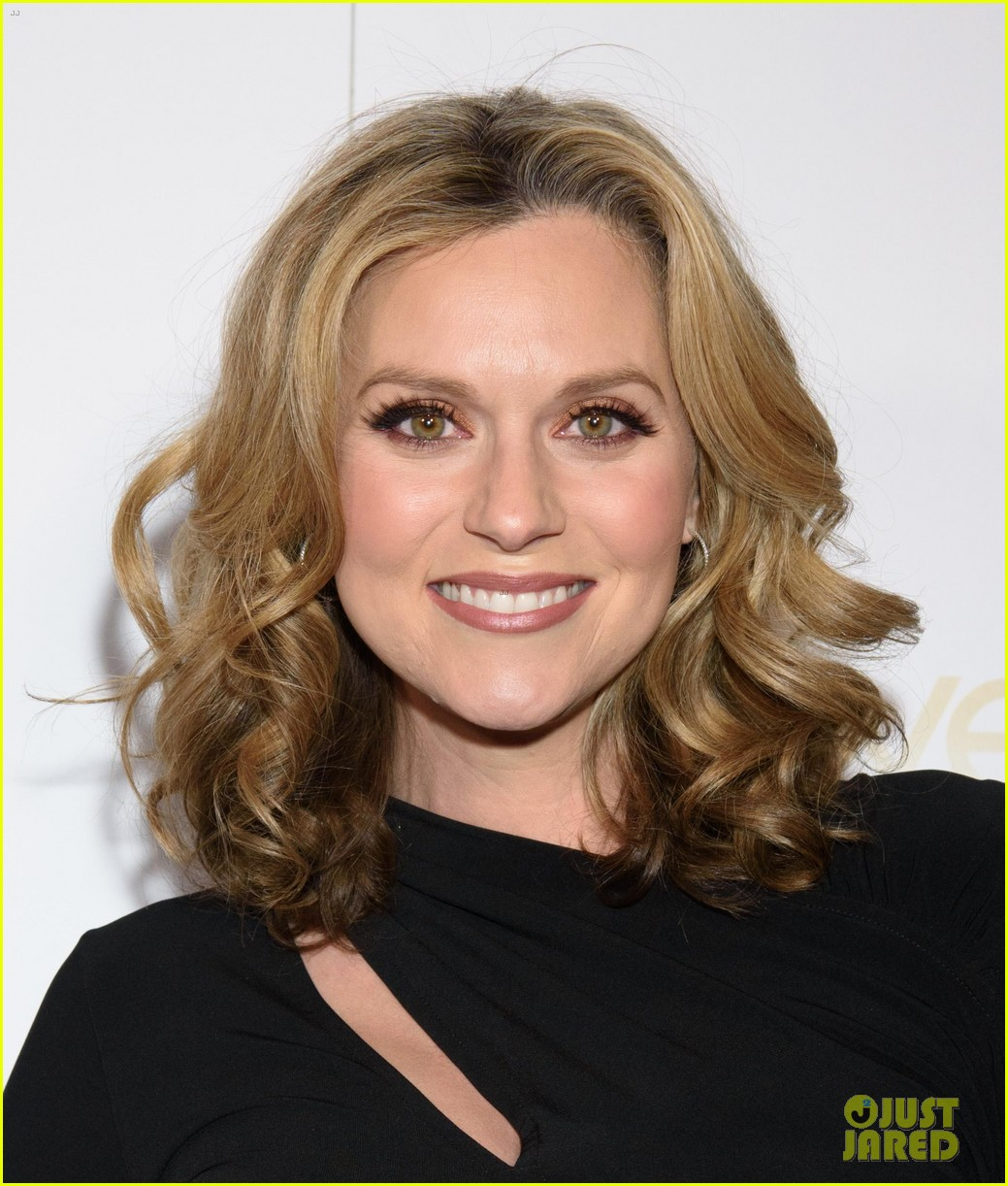 Pregnant Hilarie Burton Glows At 'Moves' Power Women Gala