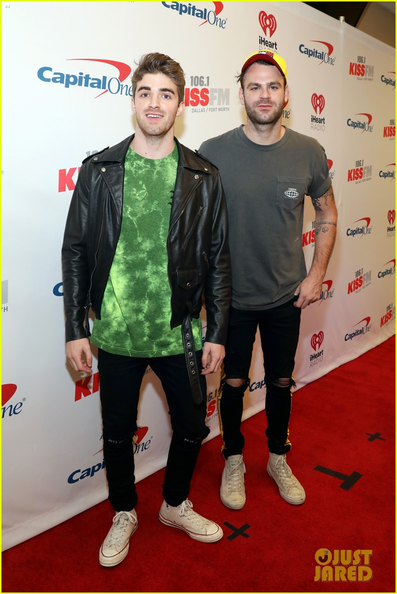 niall horan hailee steinfeld kesha and more hit the red carpet at kiss fms jingle ball 2017 063994074