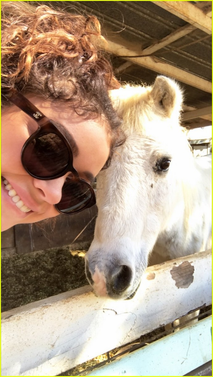 sarah hyland wells adams horseback riding date 063983257