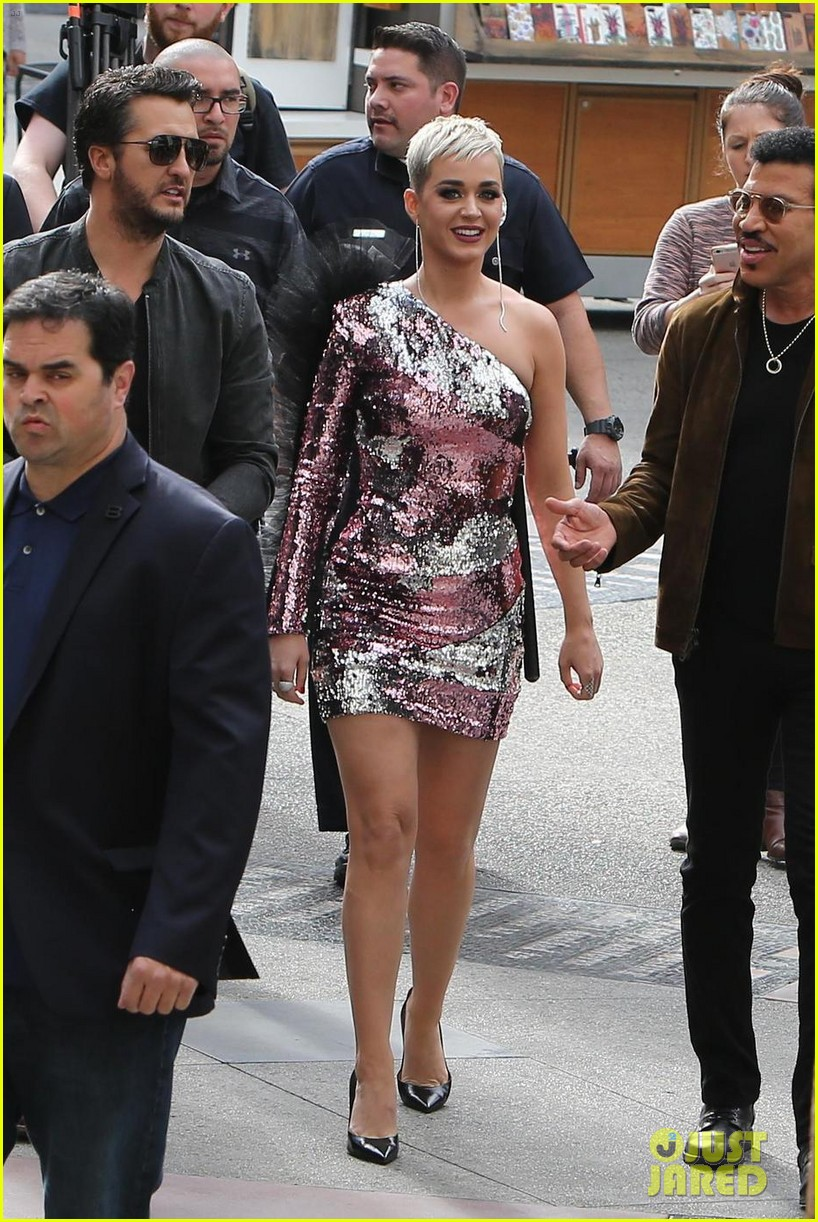 katy perry luke bryan lionel richie arrive for idol hollywood auditions 023988935