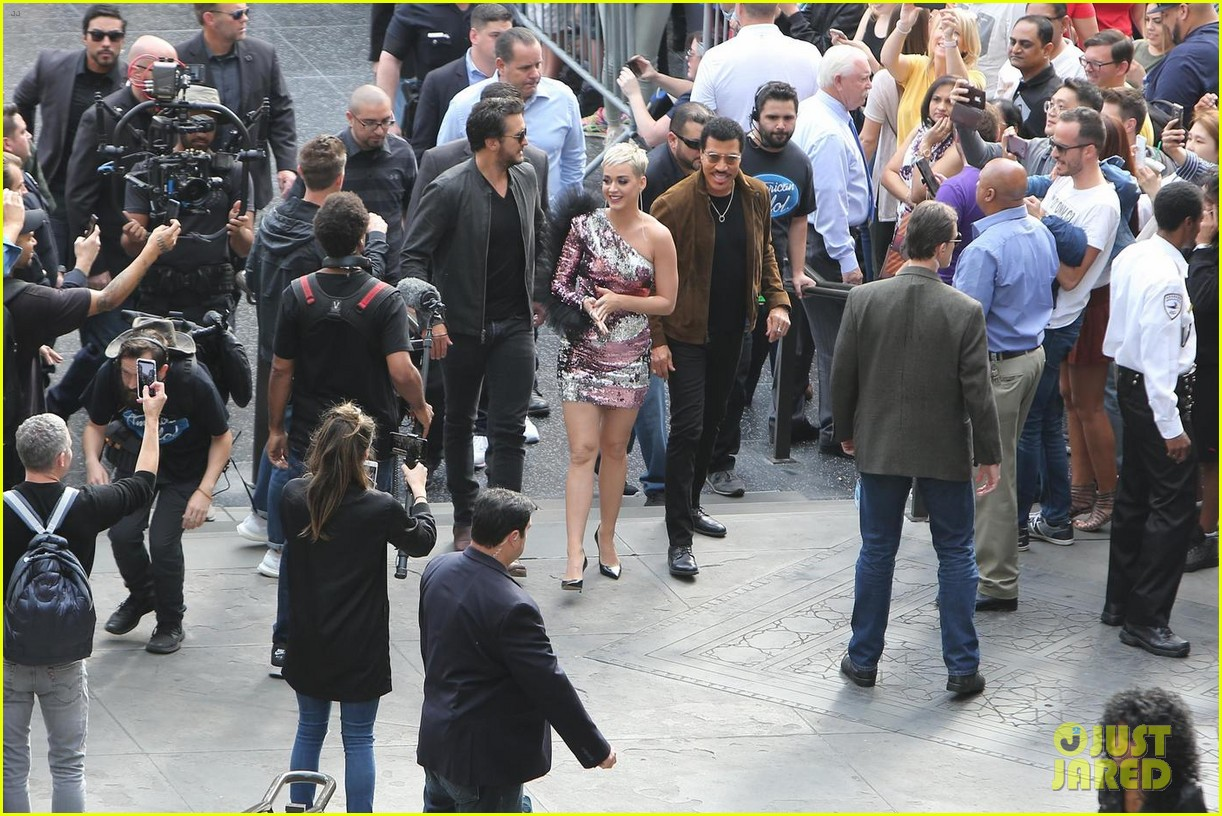 katy perry luke bryan lionel richie arrive for idol hollywood auditions 053988938