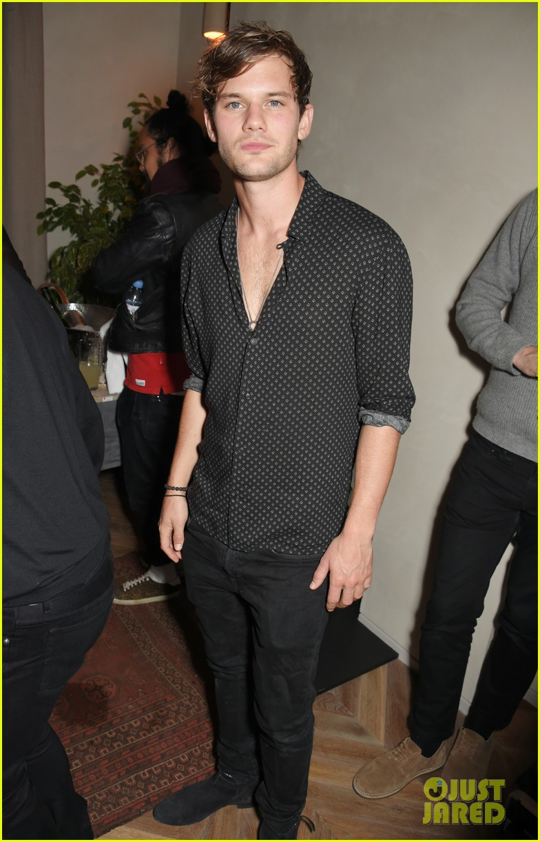 jeremy invine douglas booth mr porter party 133985592