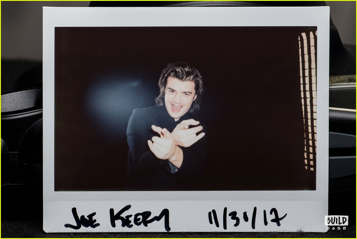joe keery aol build interview 063994054