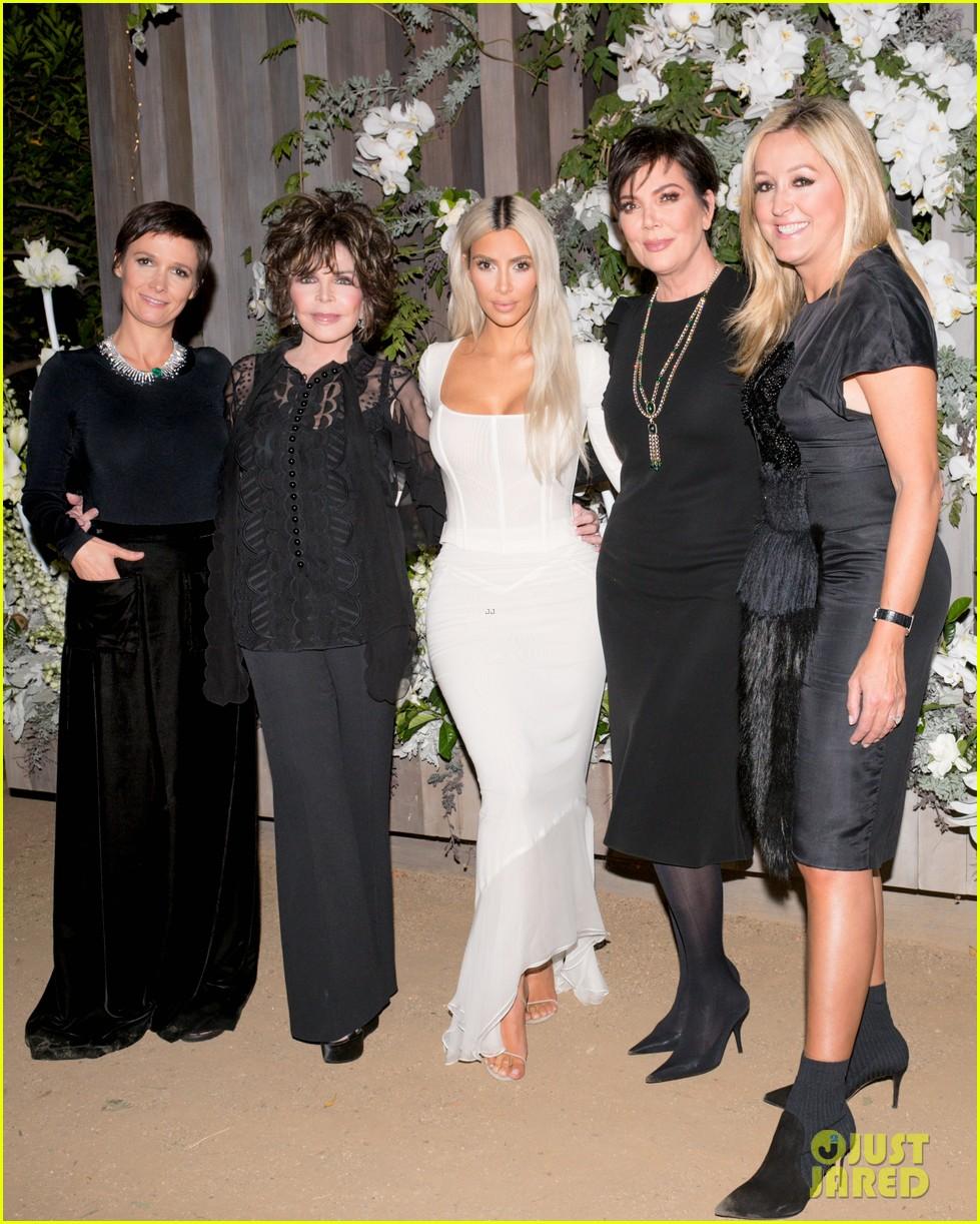 kim kardashian gets support from sister khloe mom kris jenner at kkw fragrance 013987825