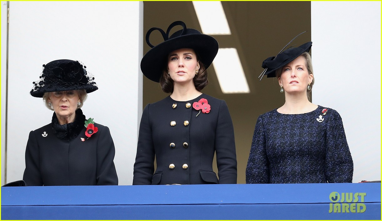 kate middleton remembrance sunday 053986269