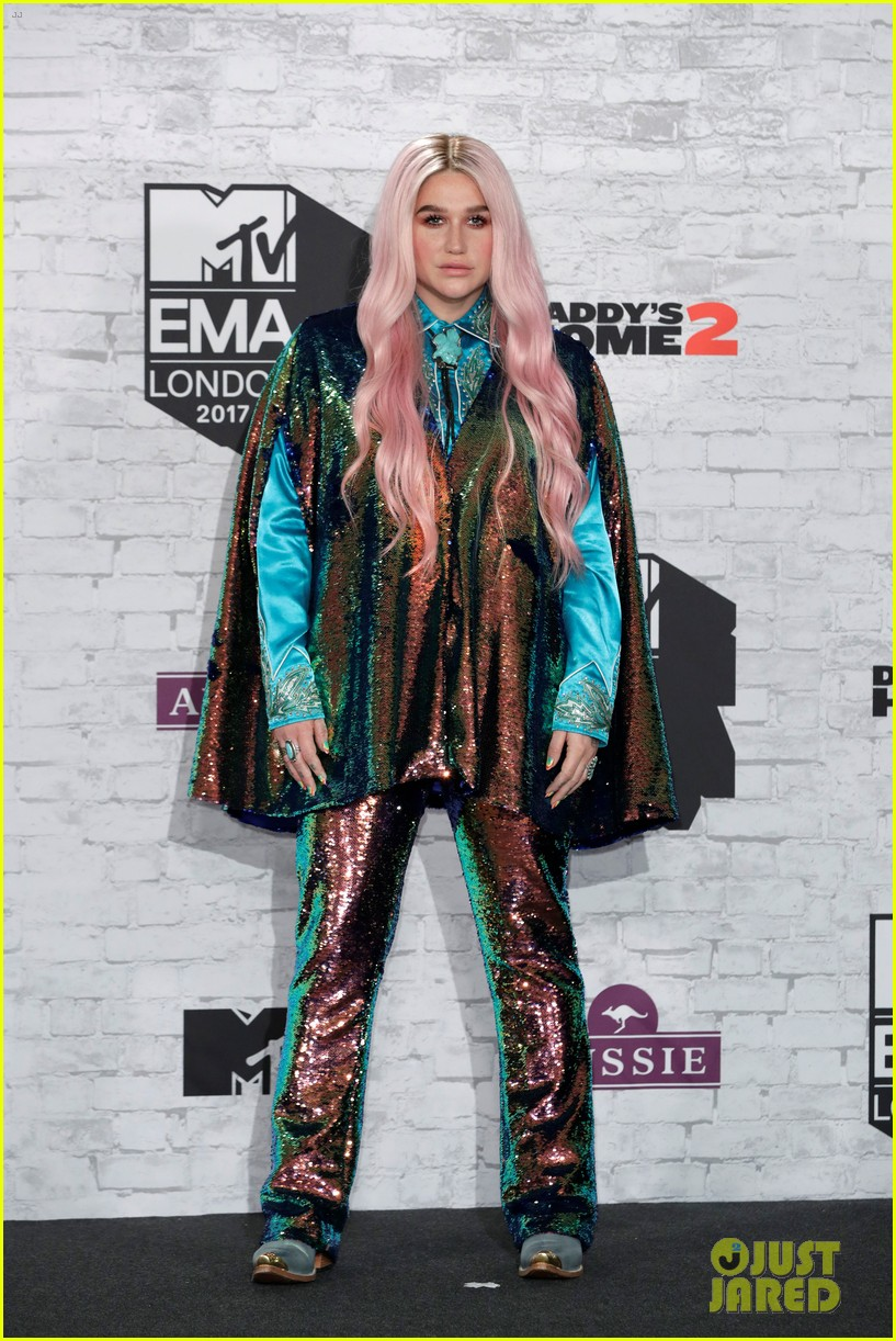 kesha performs learn to let go at mtv emas 2017 023986504
