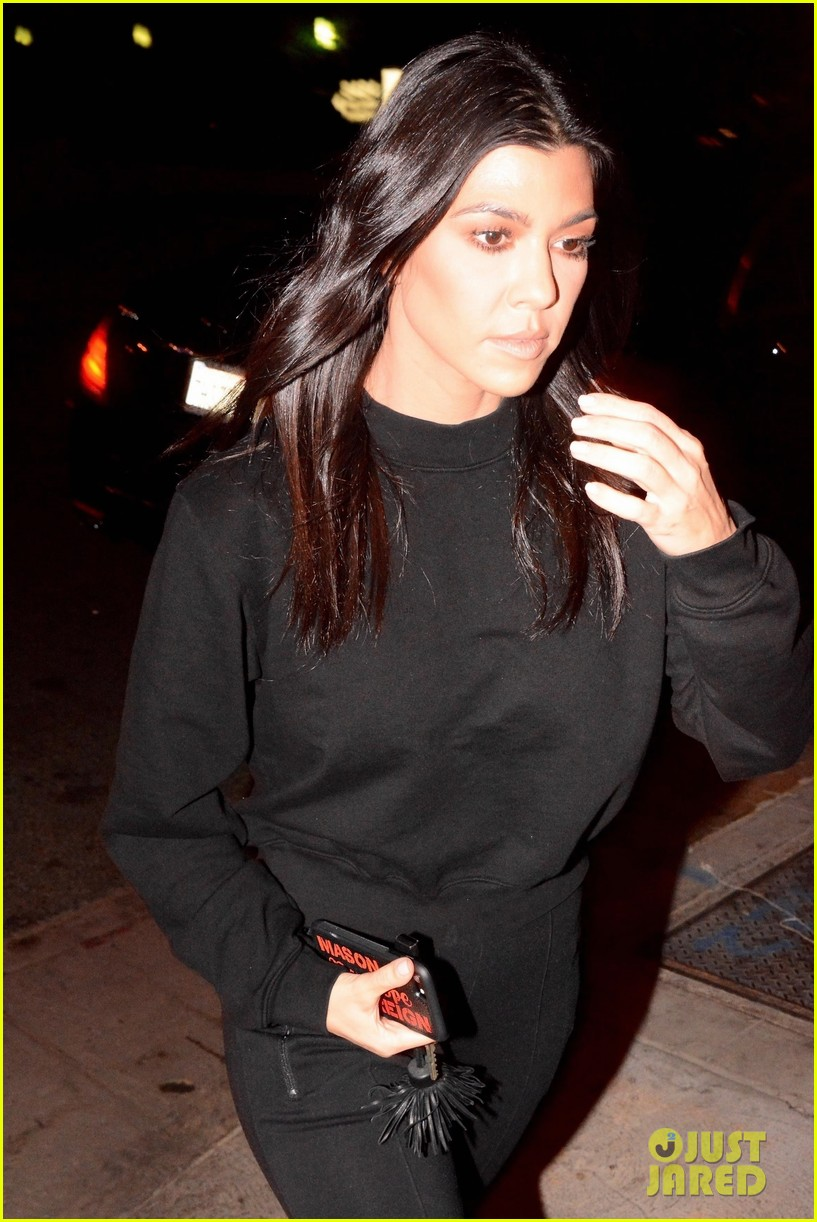 kourtney kardashian black 043994346