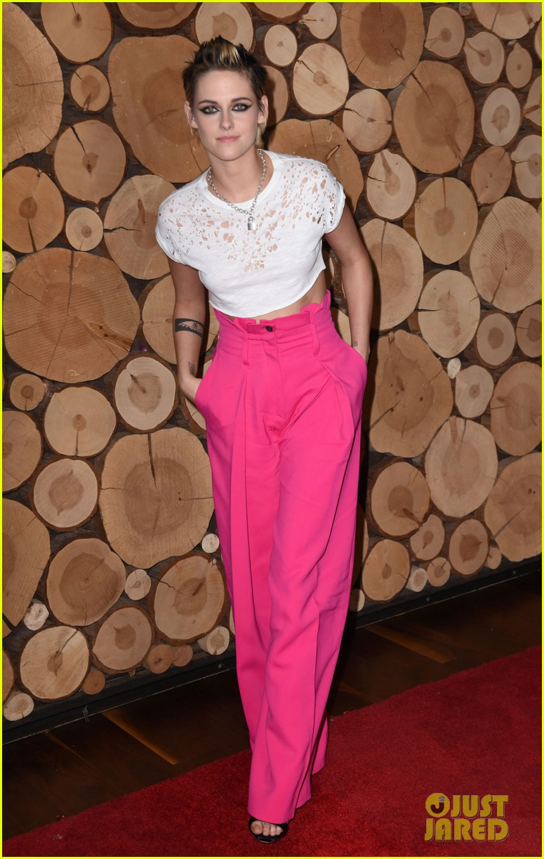 kristen stewart rocks neon pink pants for come swim premiere 013985085