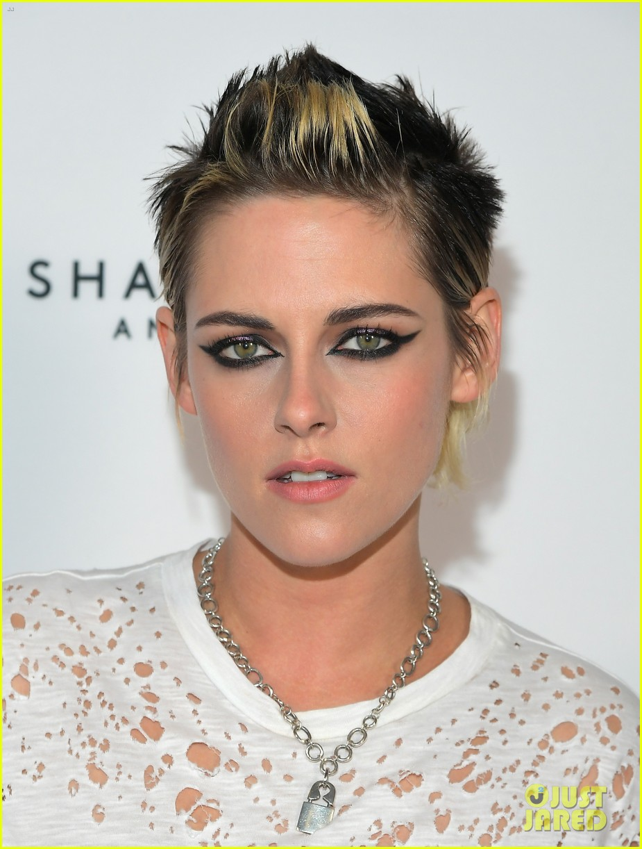 kristen stewart rocks neon pink pants for come swim premiere 023985086