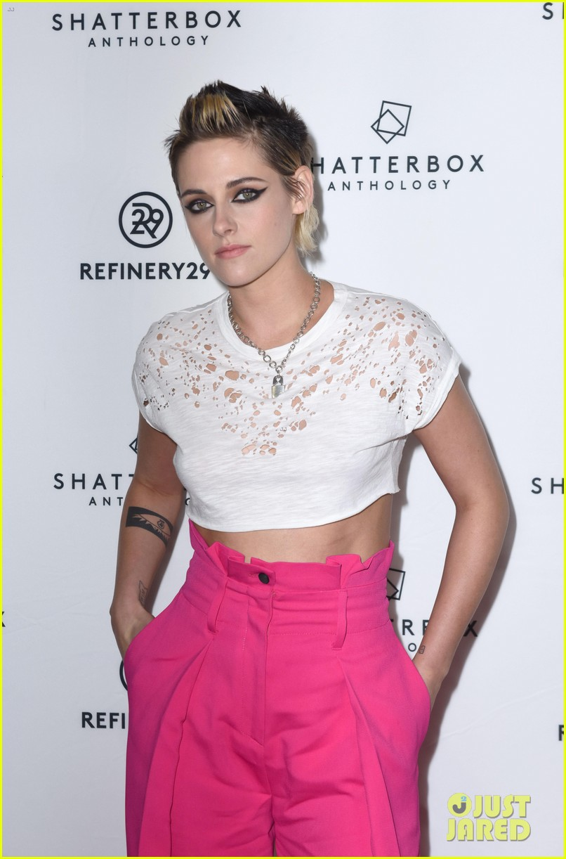 kristen stewart rocks neon pink pants for come swim premiere 053985089