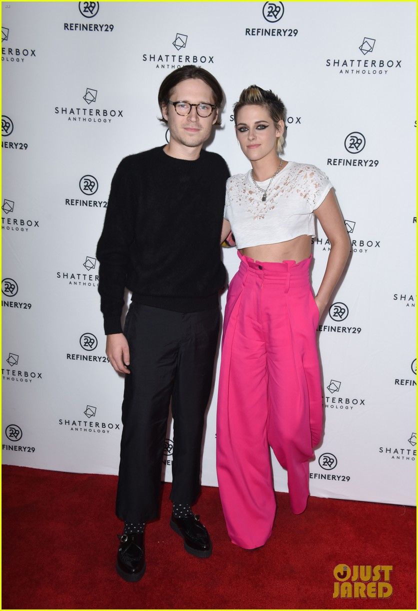 kristen stewart rocks neon pink pants for come swim premiere 133985097