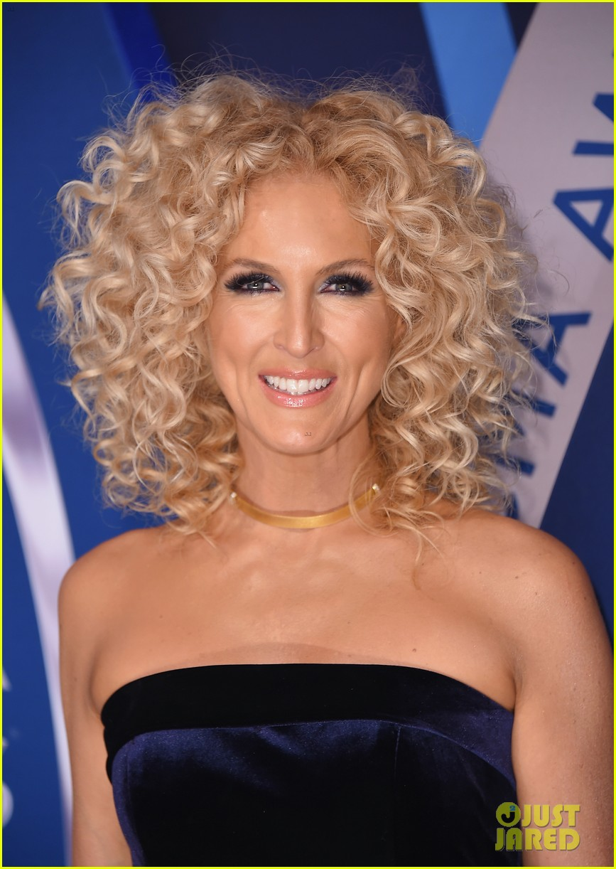 little big town get glam for the cma awards 2017 red carpet 033984582