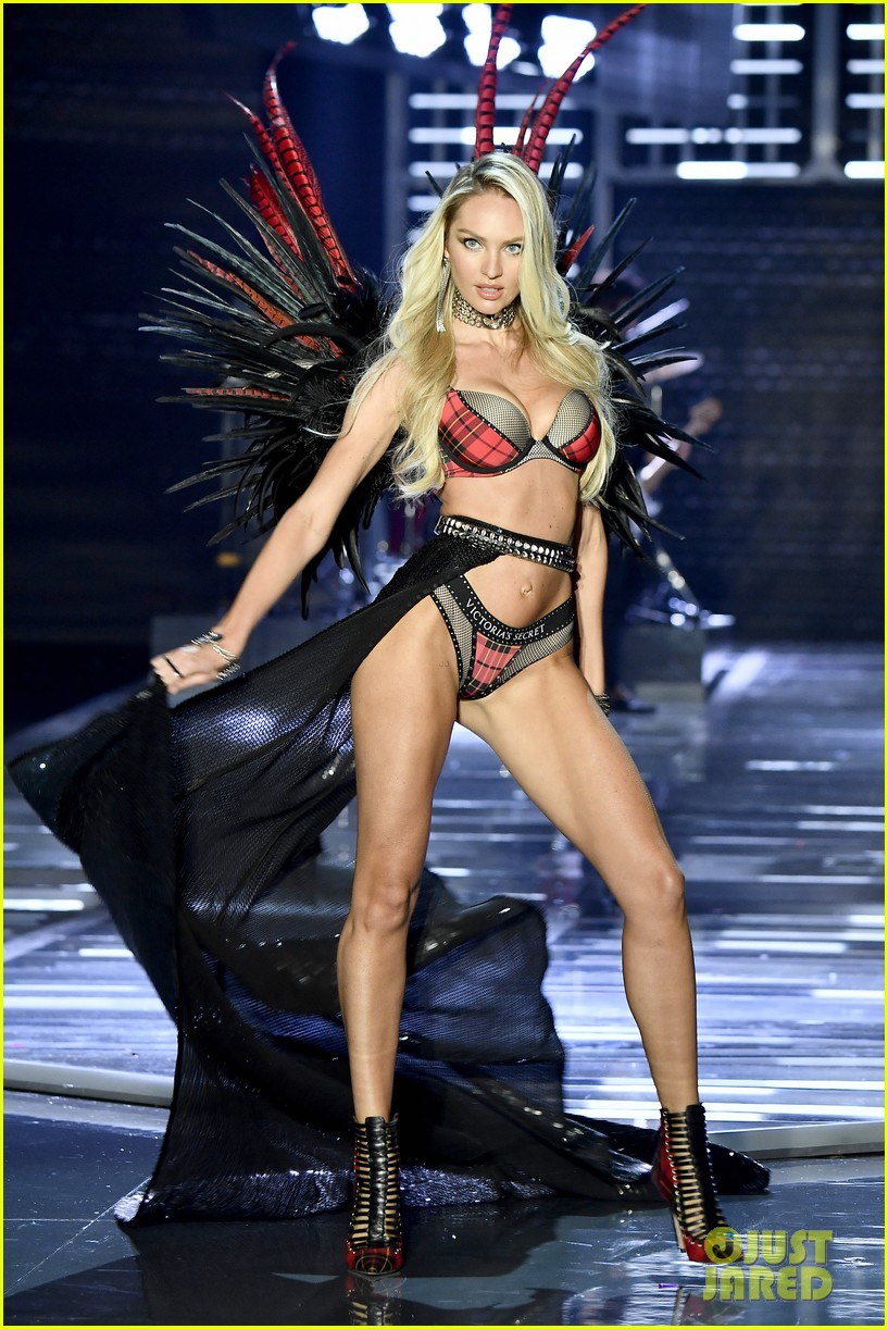 e5879ff9d2 Adriana Lima   Candice Swanepoel Stun on Victoria s Secret Fashion Show  2017 Runway