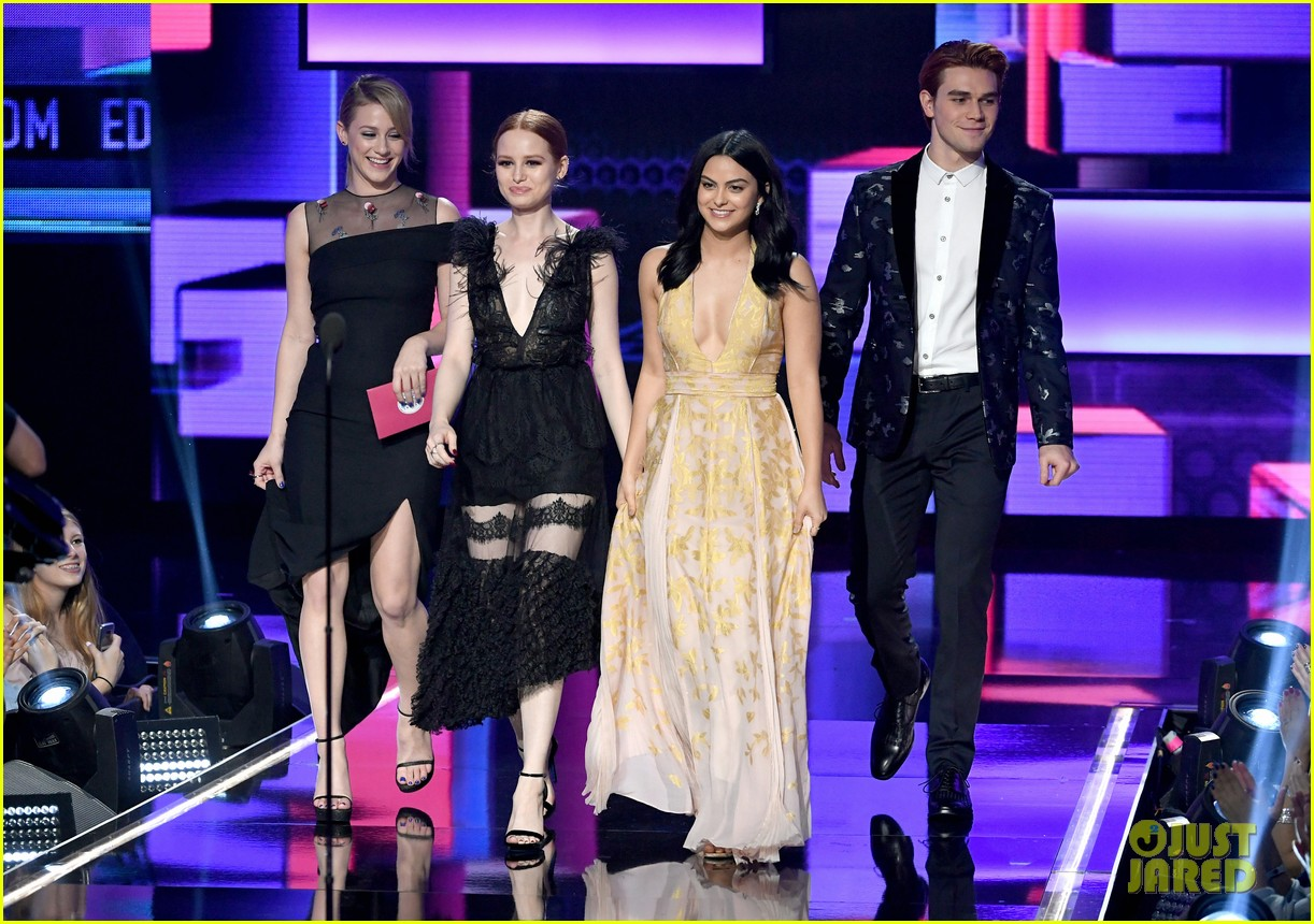 3065d33231b81 Riverdale s Madelaine Petsch Couples Up With Boyfriend Travis Mills at AMAs  2017