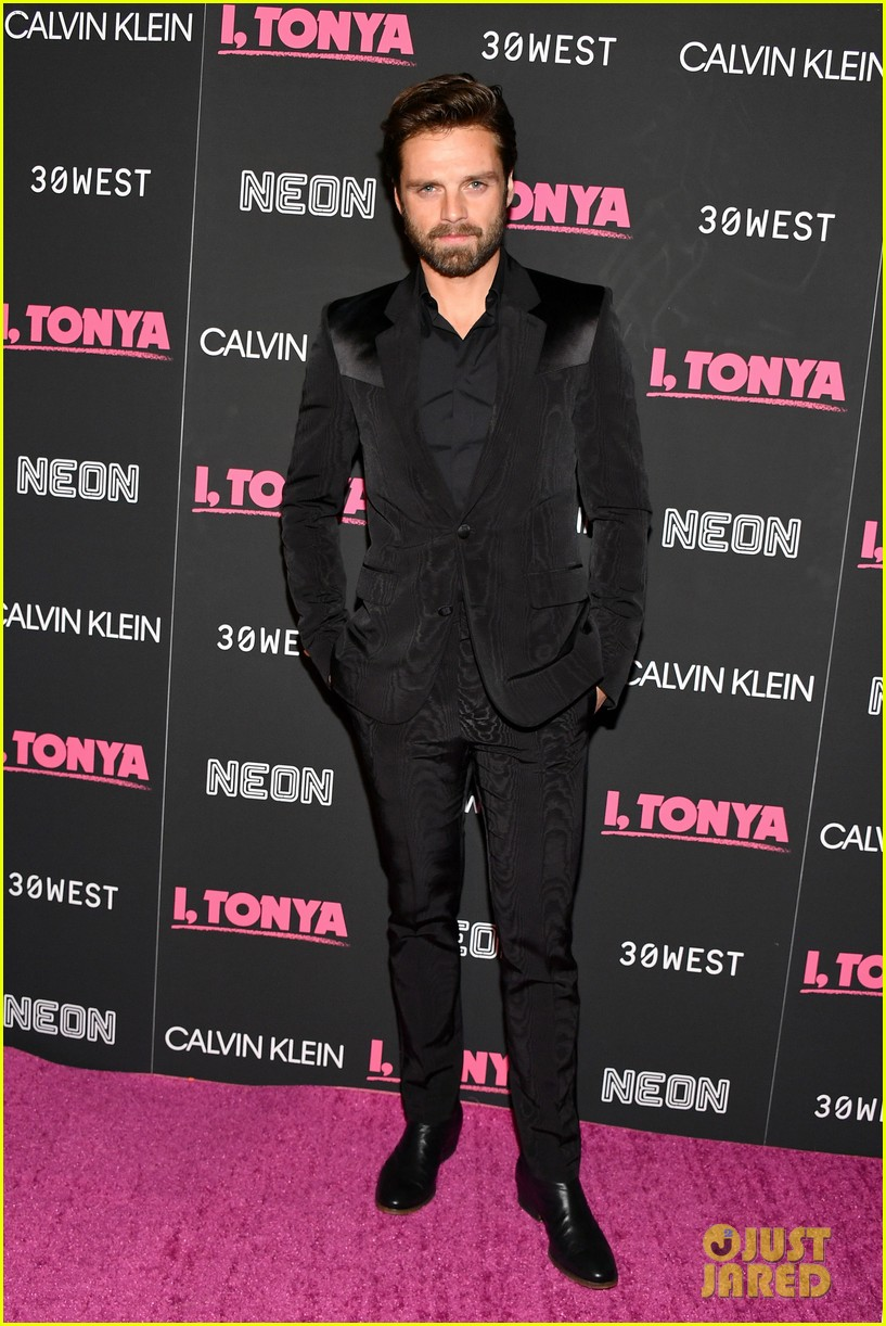 margot robbie wears lace bodysuit i tonya premiere sebastian stan 033993622