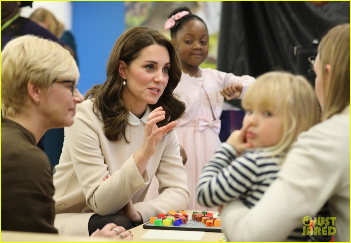 kate middleton supports fellow pregnant moms at rescheduled family action visit 01