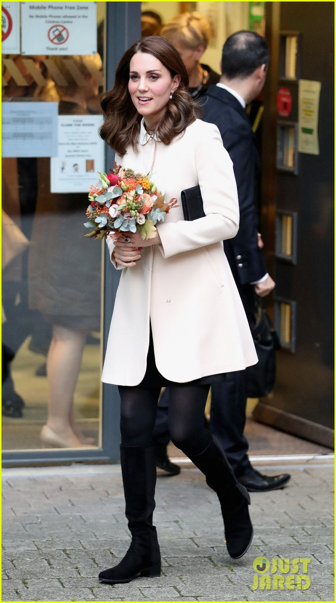 kate middleton supports fellow pregnant moms at rescheduled family action visit 153987302