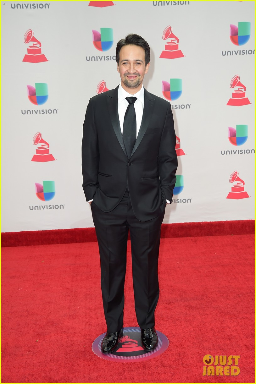 lin manuel miranda ana de armas and edgar ramirez join forces at latin grammys 2017 143988883