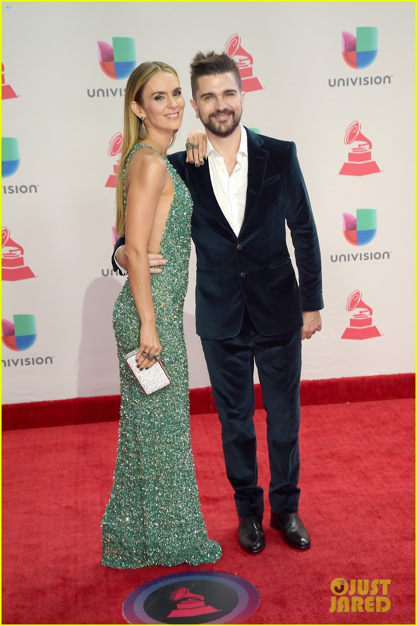 lin manuel miranda ana de armas and edgar ramirez join forces at latin grammys 2017 183988887