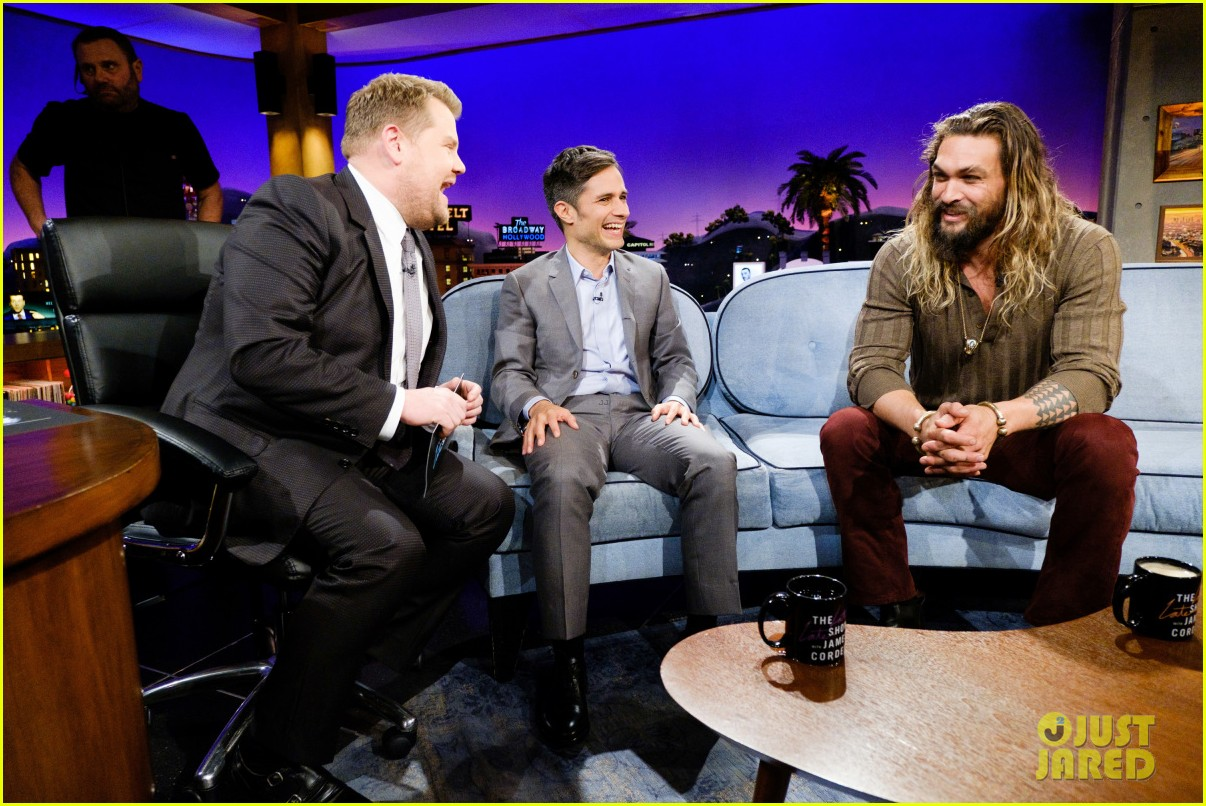 jason momoa gushes about lisa bonet on late late show 033985297