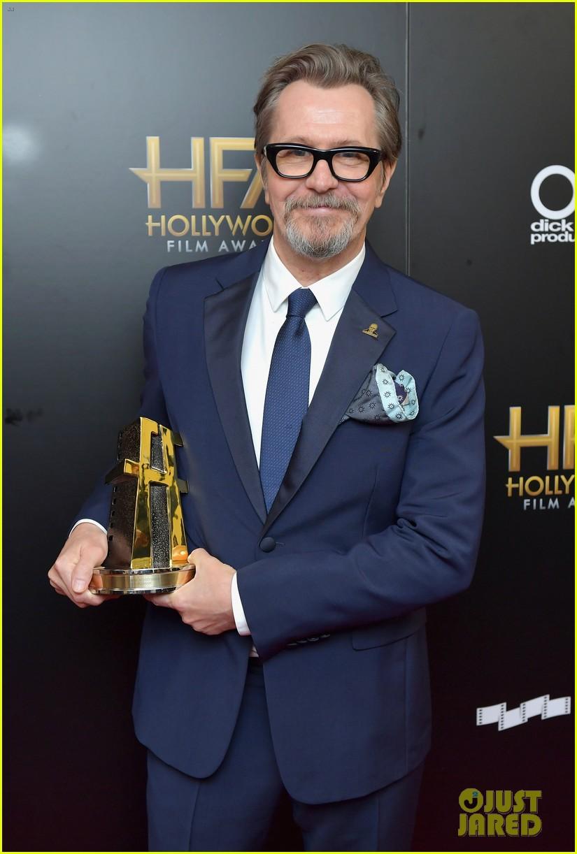 gary oldman hollywood film awards 2017 093983048
