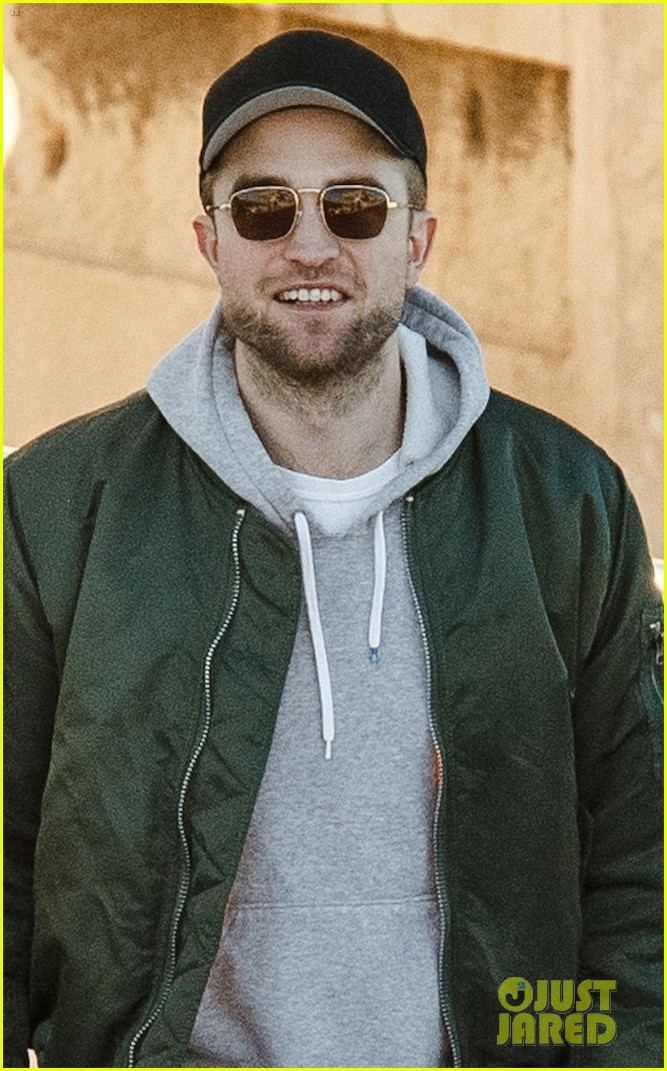 robert pattinson spends the day sightseeing in greece 023991470