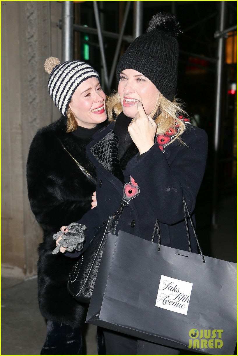 ahs sarah paulson leslie grossman enjoy a fun girls night 023989530