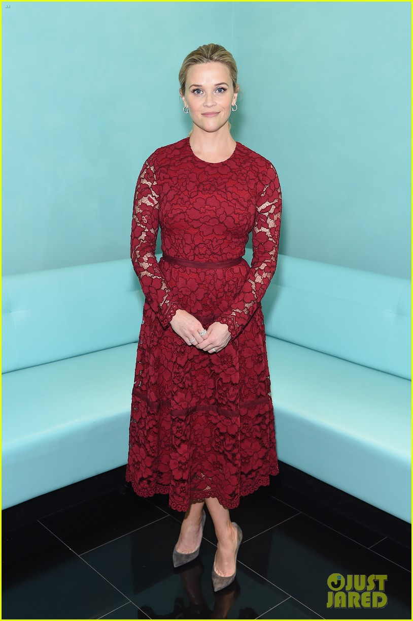 reese witherspoon tiffanys breakfast 013994034