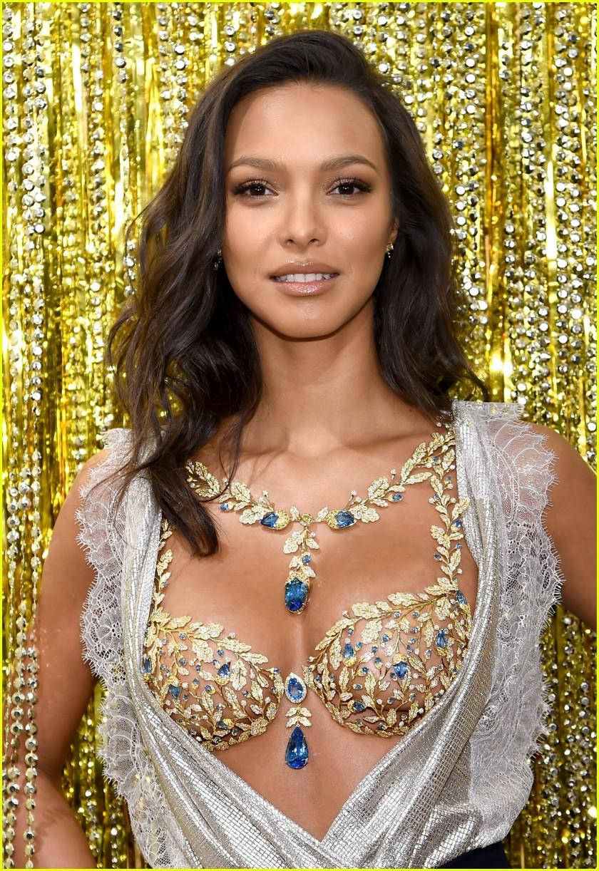 6c74973463 Lais ribeiro will wear million dollar fantasy bra at victorias secret  fashion show jpg 840x1222 Pratt