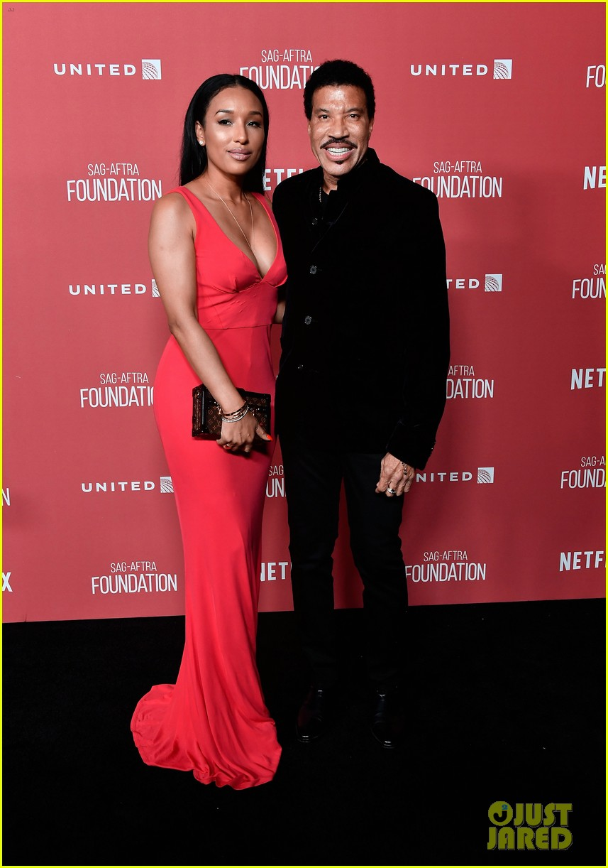 lionel richie and daughter sofia make rare red carpet appearance together 113985395