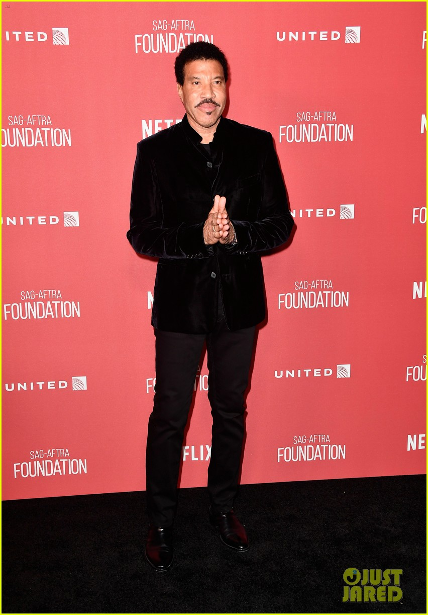 lionel richie and daughter sofia make rare red carpet appearance together 153985399