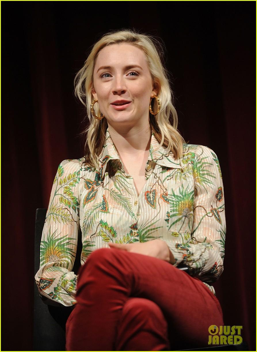 greta gerwig says her directorial debut lady bird wrote itself 043984256
