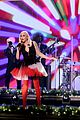 gwen stefani says she feels responsible for blake shelton taking sexiest man alive 05