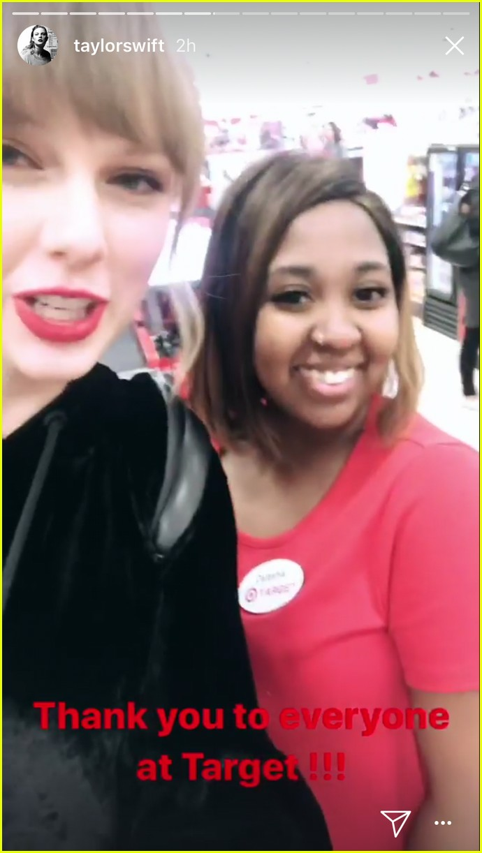 taylor swift surprises fans buying album in target 033987521