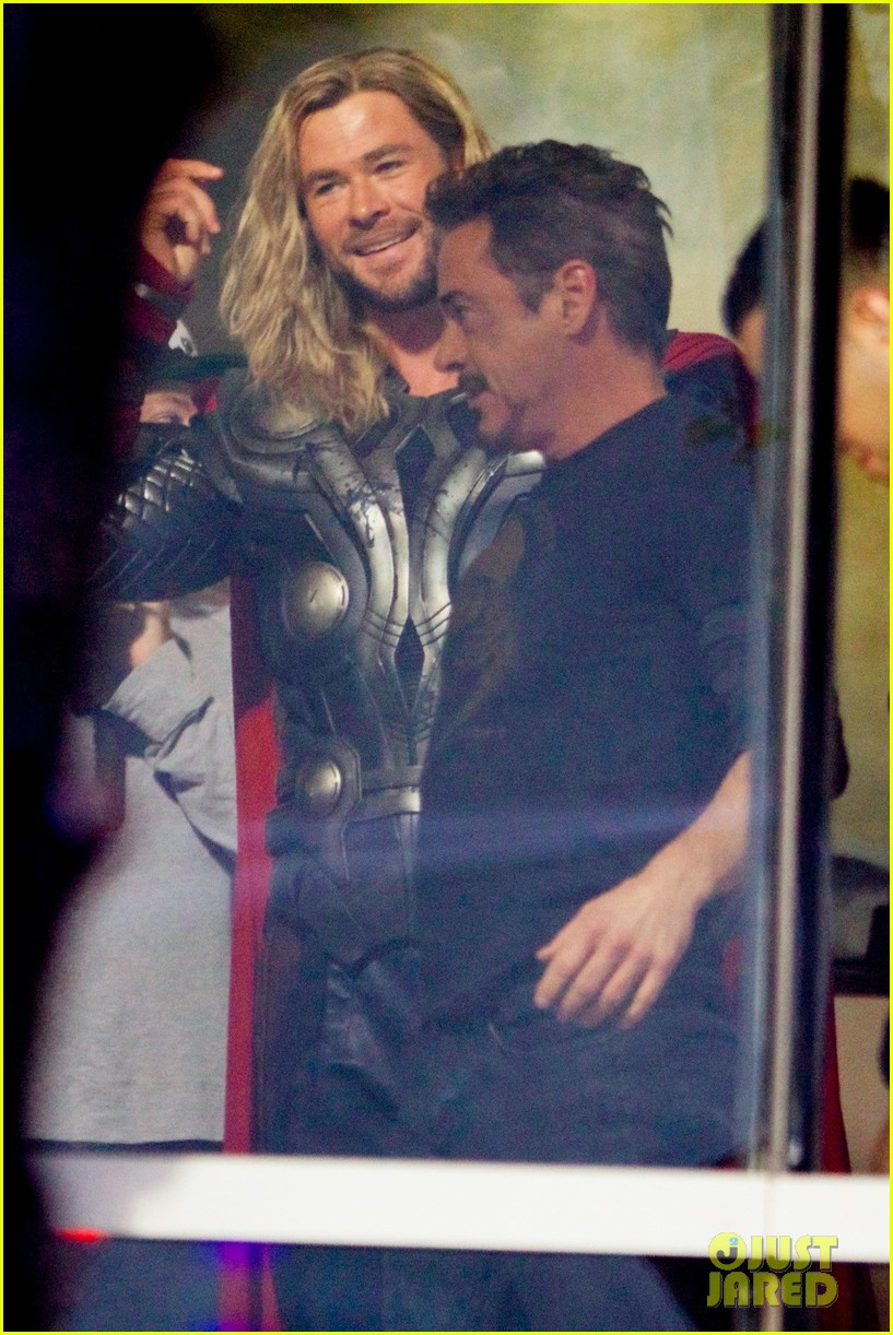 thor iron man reunite on avengers 4 set 013981296