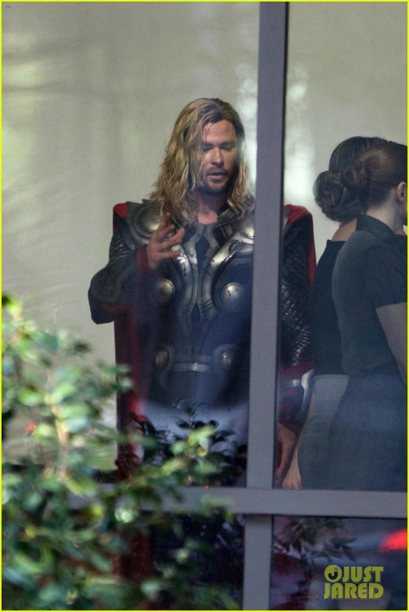 thor iron man reunite on avengers 4 set 153981310