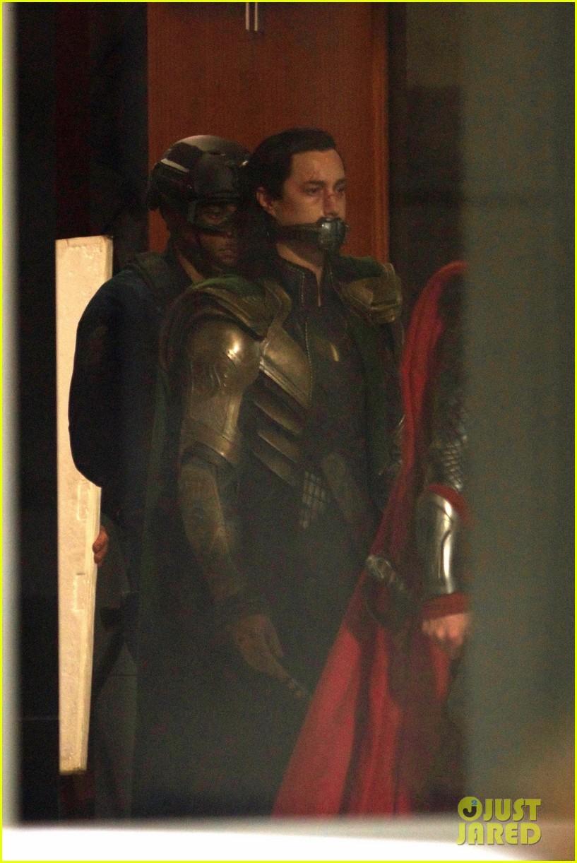 thor iron man reunite on avengers 4 set 253981320