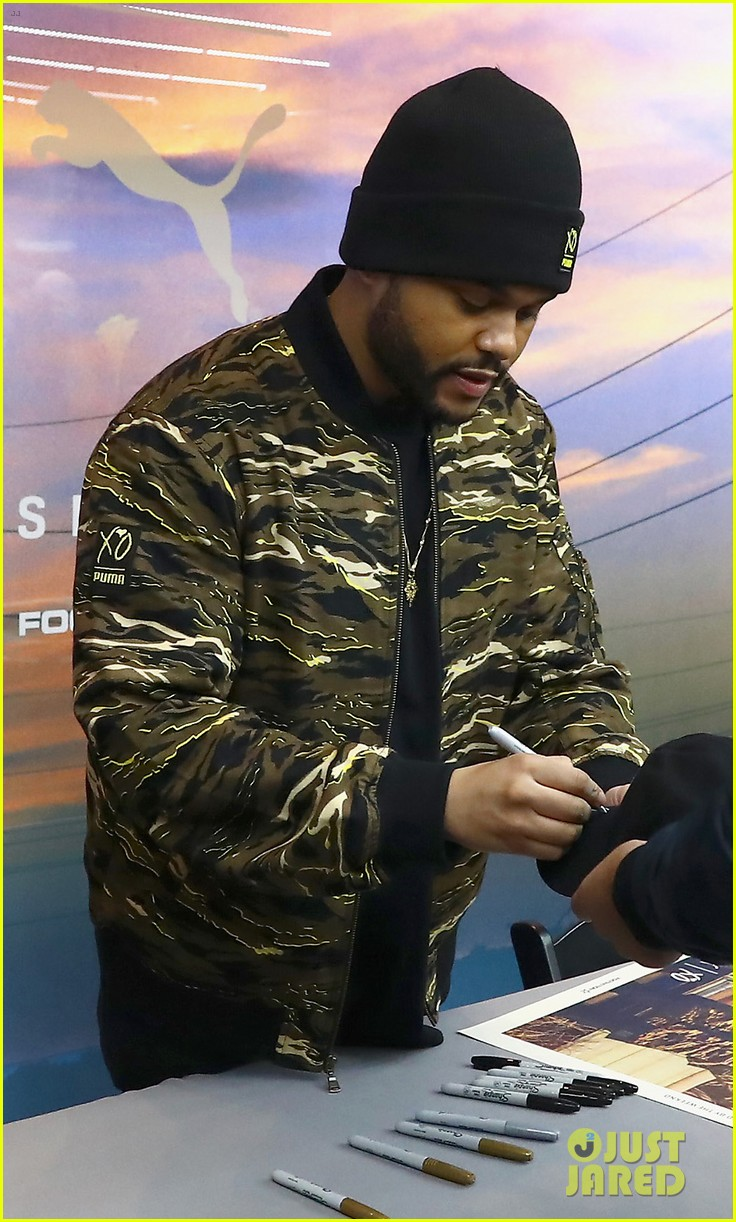 The Weeknd Meets Fans At Puma Pop Up Shop In Nyc Photo 3987132