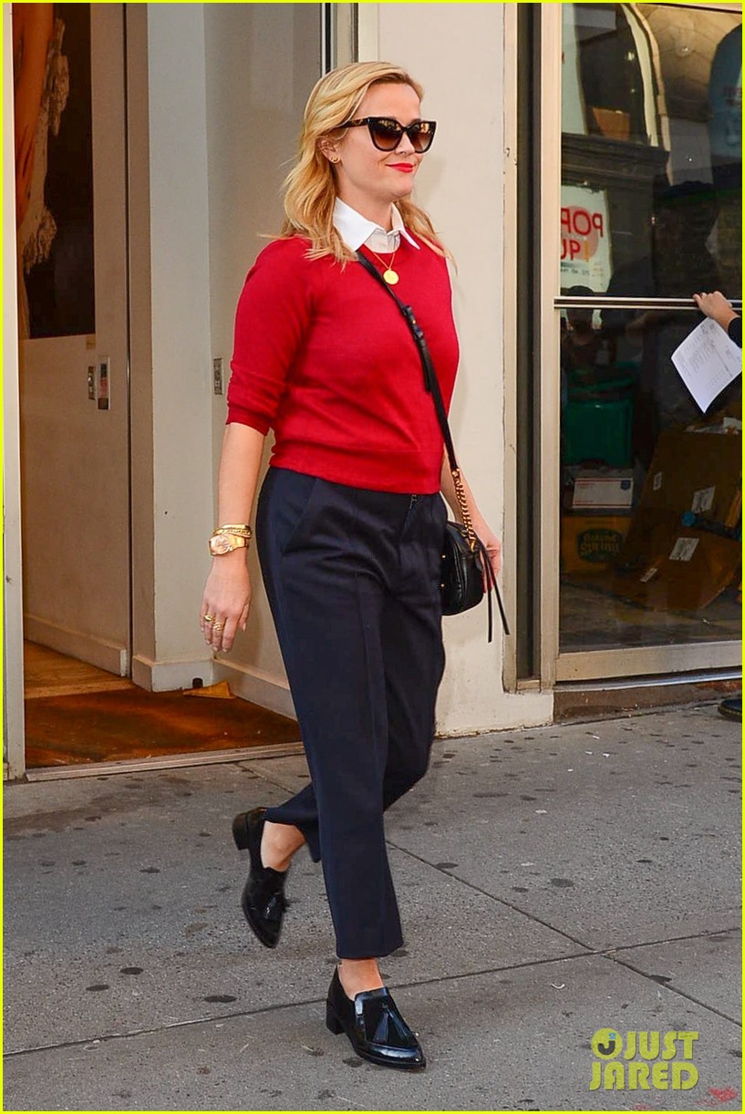 reese witherspoon daughter ava join zoe kravitz for lunch in nyc 053981474