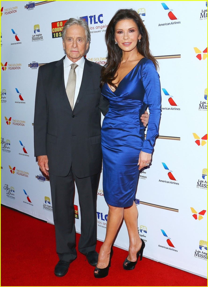 catherine zeta jones gets family support at legacy of vision gala 013985530
