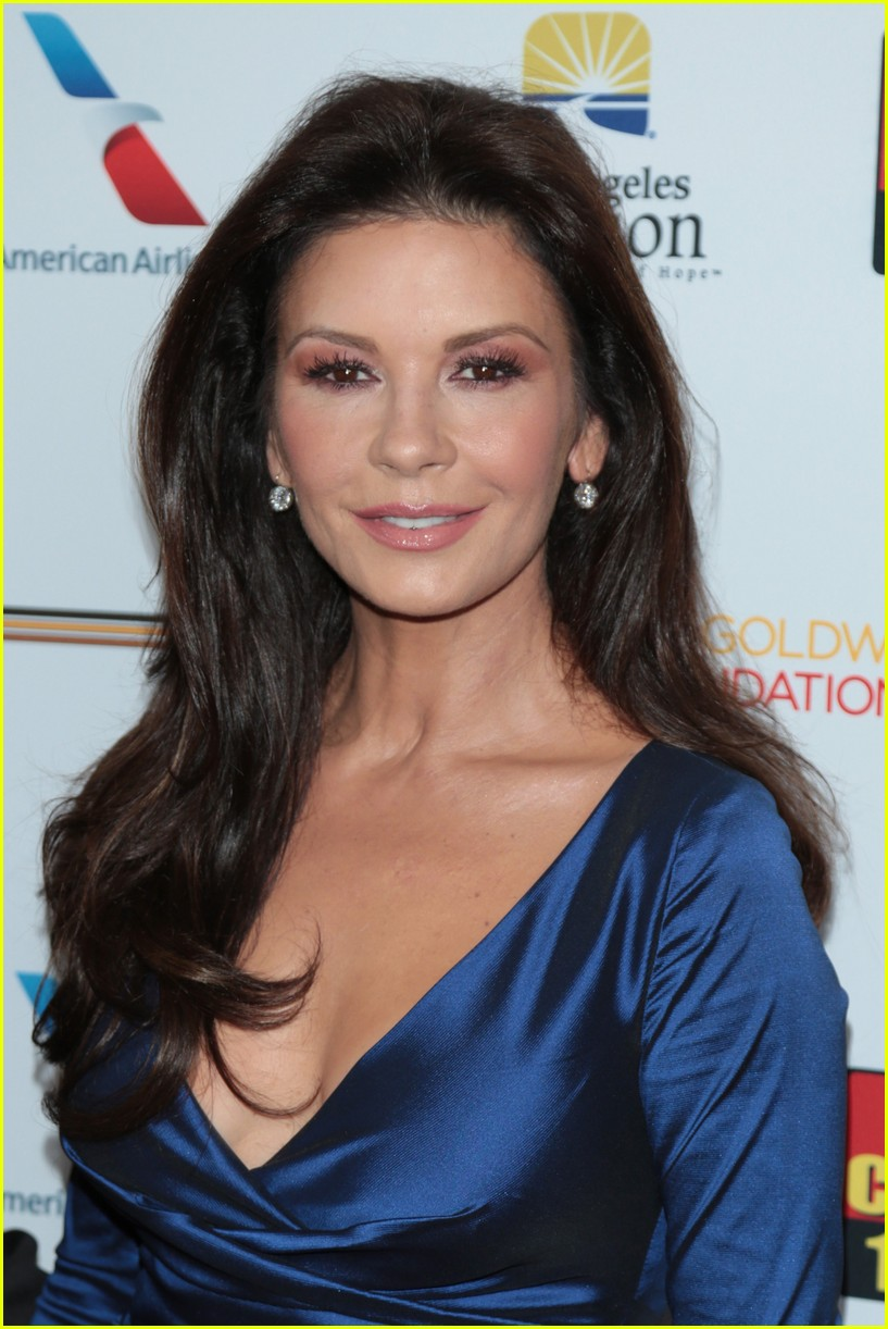 catherine zeta jones gets family support at legacy of vision gala 023985531