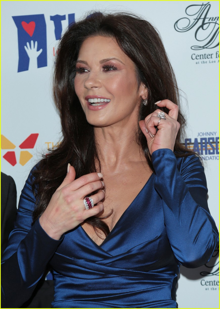 catherine zeta jones gets family support at legacy of vision gala 063985535