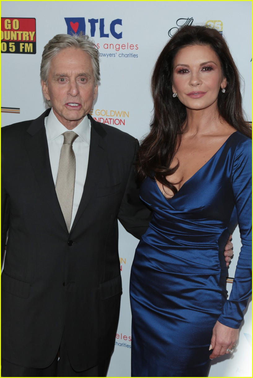 catherine zeta jones gets family support at legacy of vision gala 103985539
