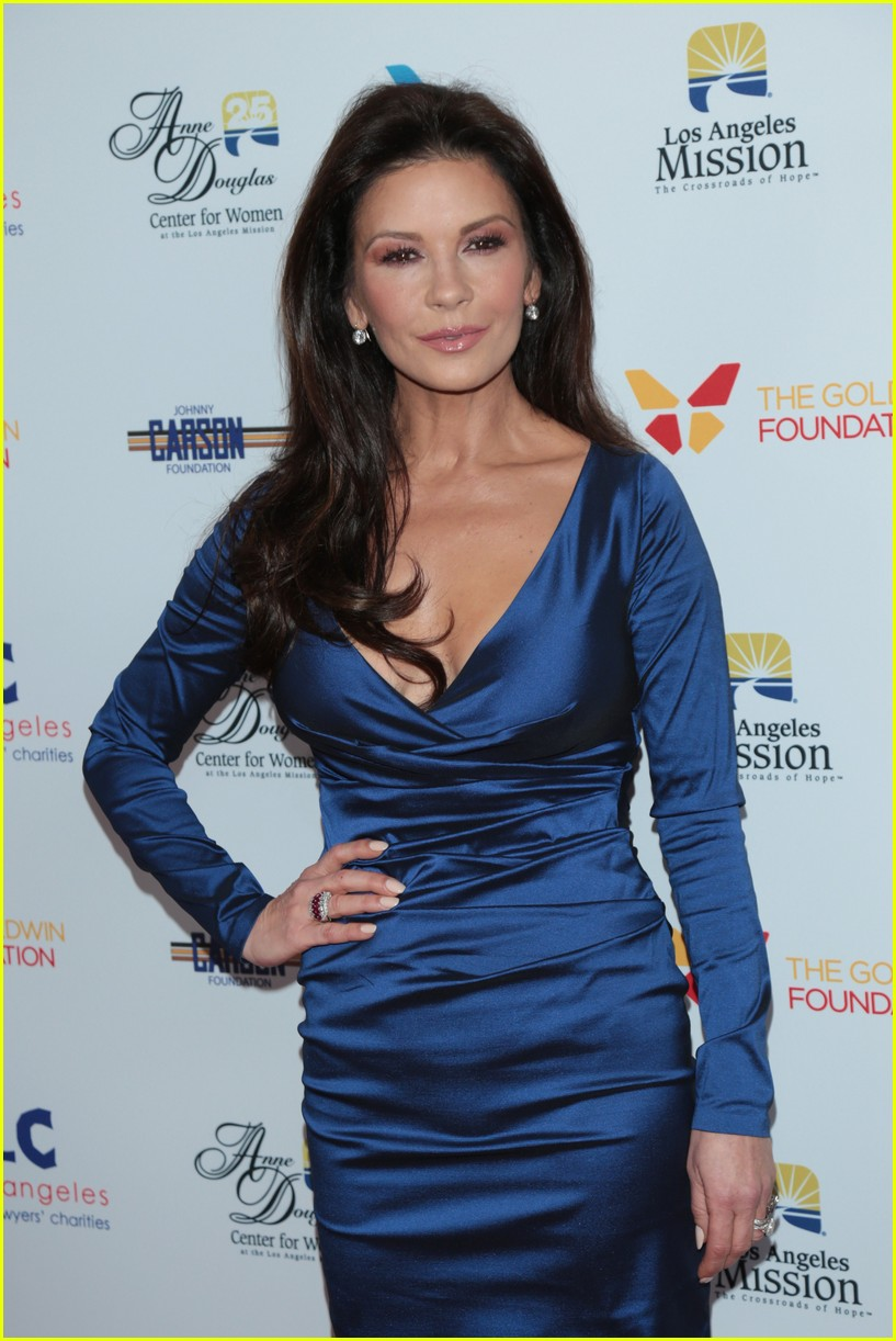 catherine zeta jones gets family support at legacy of vision gala 133985542