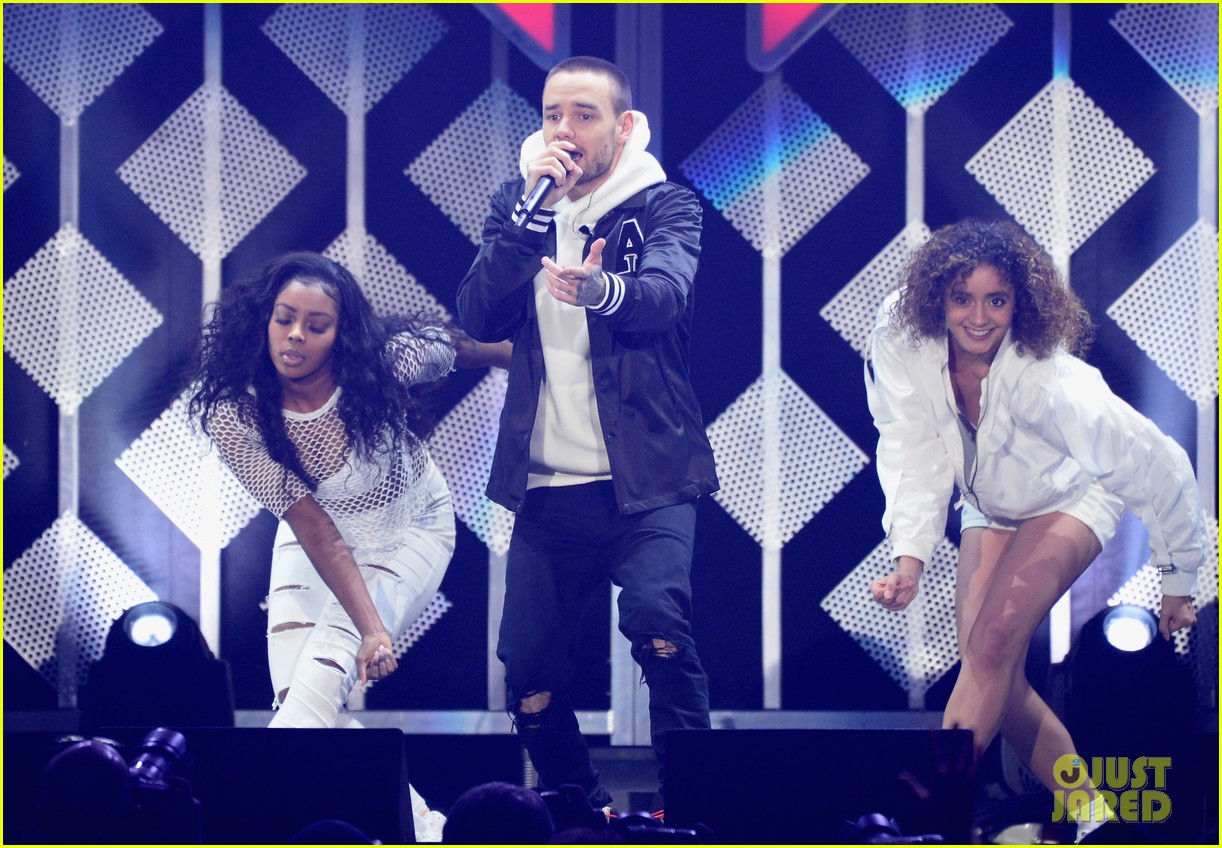 1035 jingle ball 2017 234001460