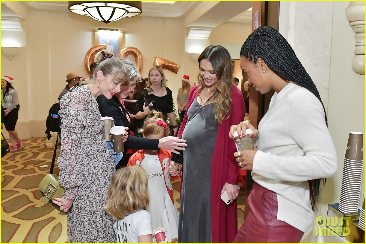 jessica alba kelly rowland michelle monaghan more celebrate at baby2baby holiday 044002529
