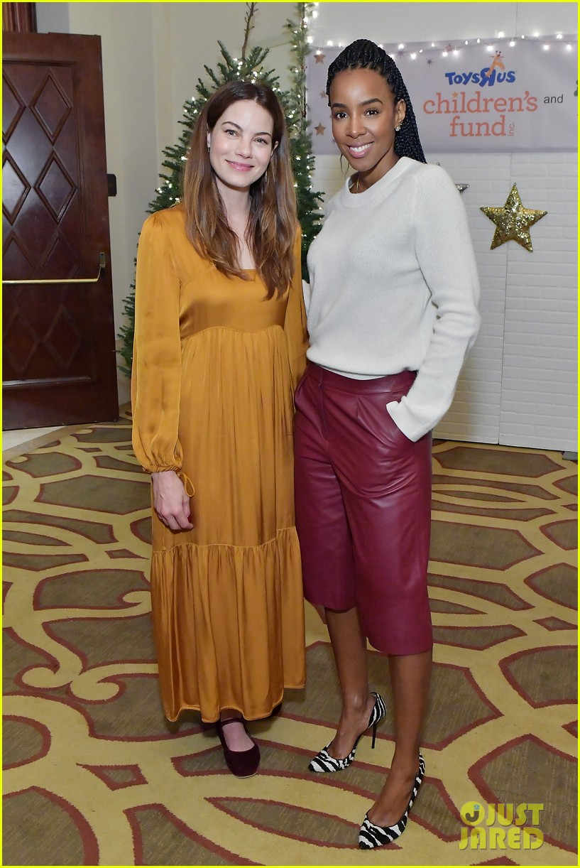 jessica alba kelly rowland michelle monaghan more celebrate at baby2baby holiday 074002532